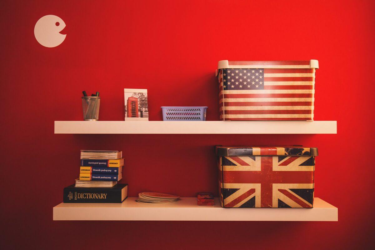 inglés británico y estadounidense